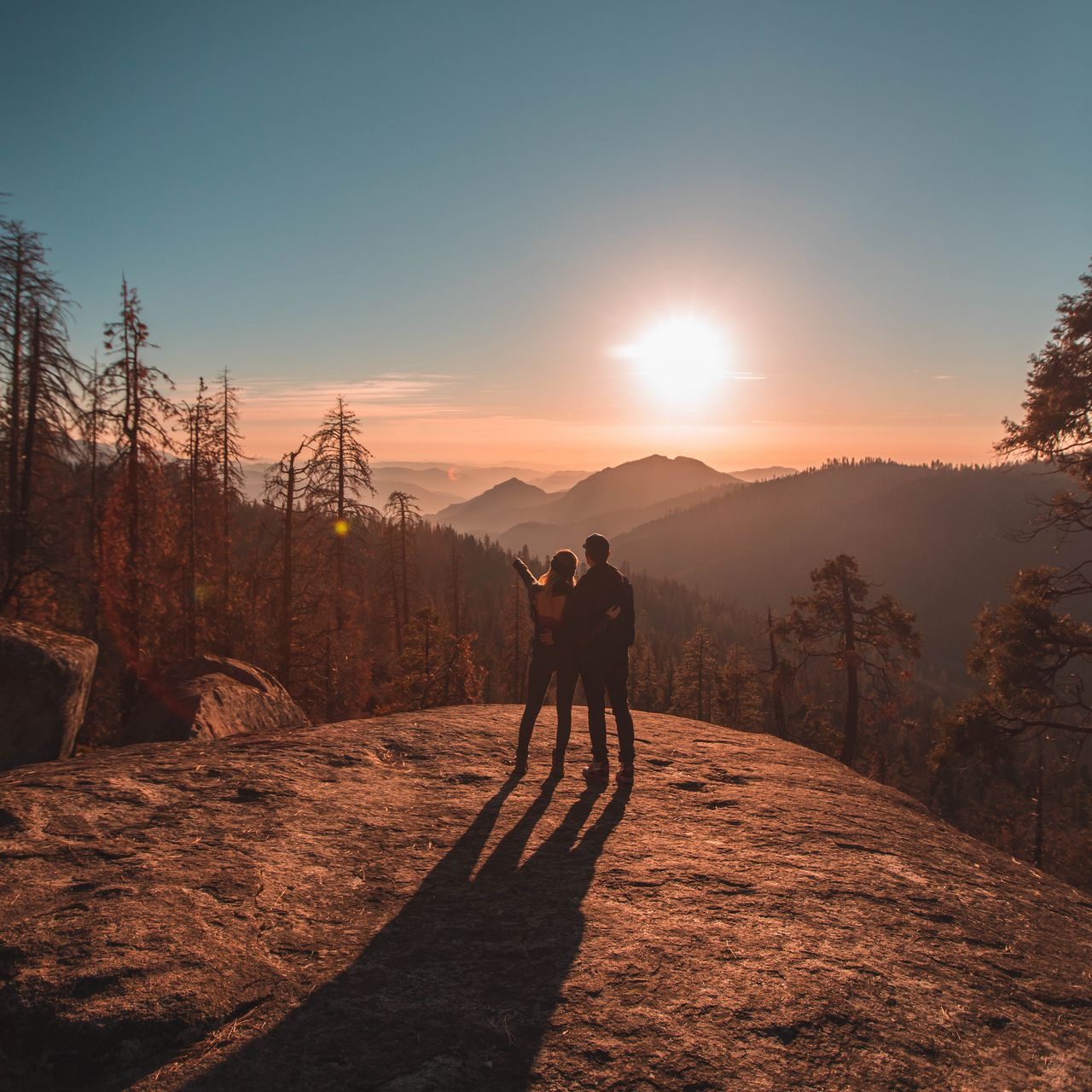 1280x1280 Wallpaper couple, mountains, travel, sunset, sequoia national park, united states