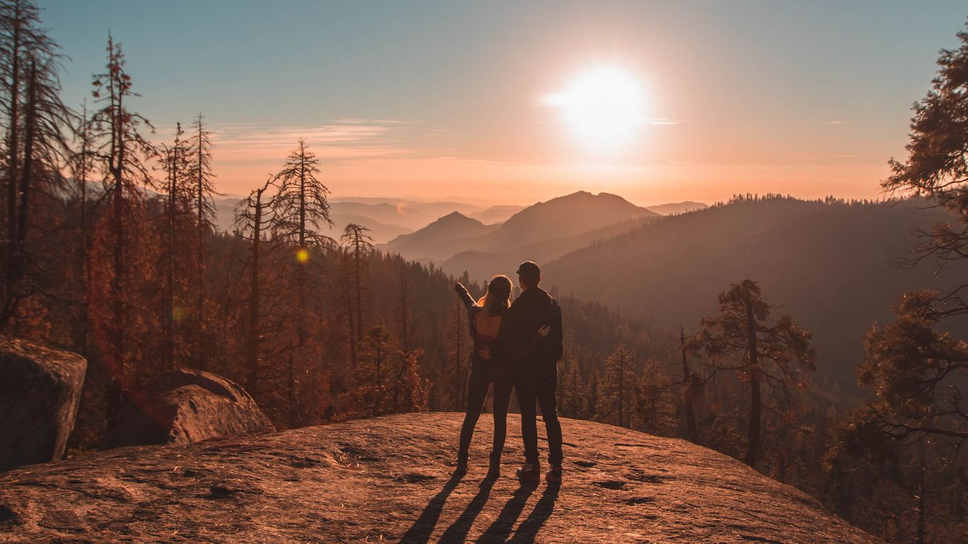 1366x768 Wallpaper couple, mountains, travel, sunset, sequoia national park, united states