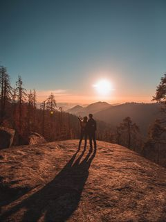 240x320 Wallpaper couple, mountains, travel, sunset, sequoia national park, united states