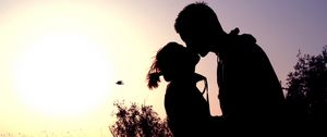 Preview wallpaper couple, shadow, sunset, kissing, hugging, romance