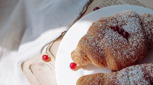 Preview wallpaper croissant, berries, plate, cloth