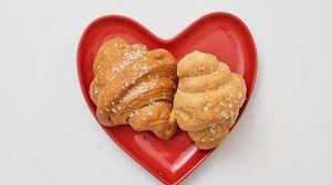 Preview wallpaper croissant, pastries, dessert, plate, heart