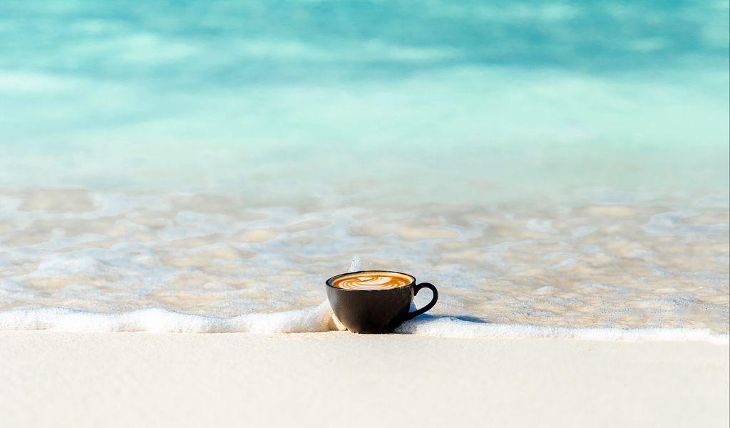1024x600 Wallpaper cup, ocean, sand, coast, minimalism