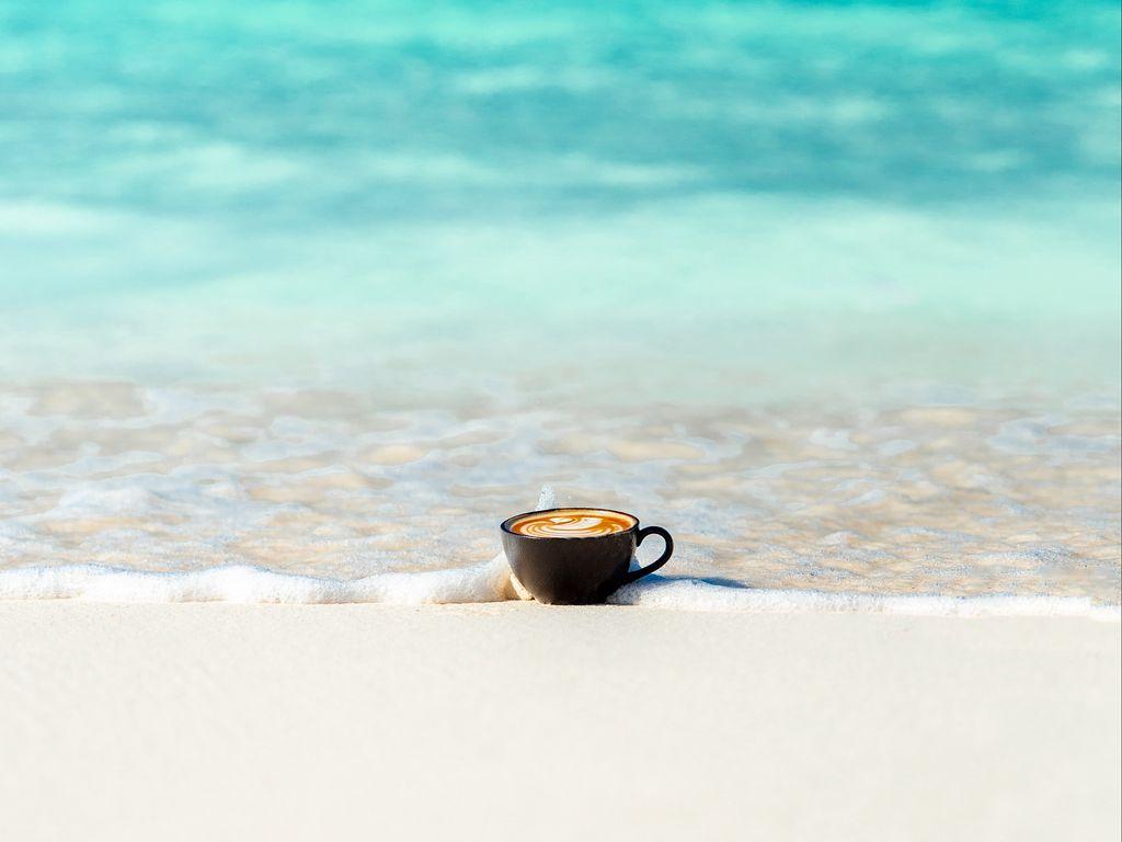 1024x768 Wallpaper cup, ocean, sand, coast, minimalism