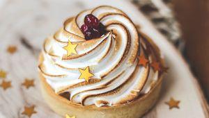 Preview wallpaper cupcake, dessert, pastries
