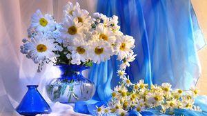 Preview wallpaper daisy, vase, flowers, bouquet, decoration