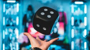 Preview wallpaper dice, cube, toss, hand, levitate