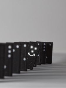 Preview wallpaper dominoes, points, smiley, positive, black and white