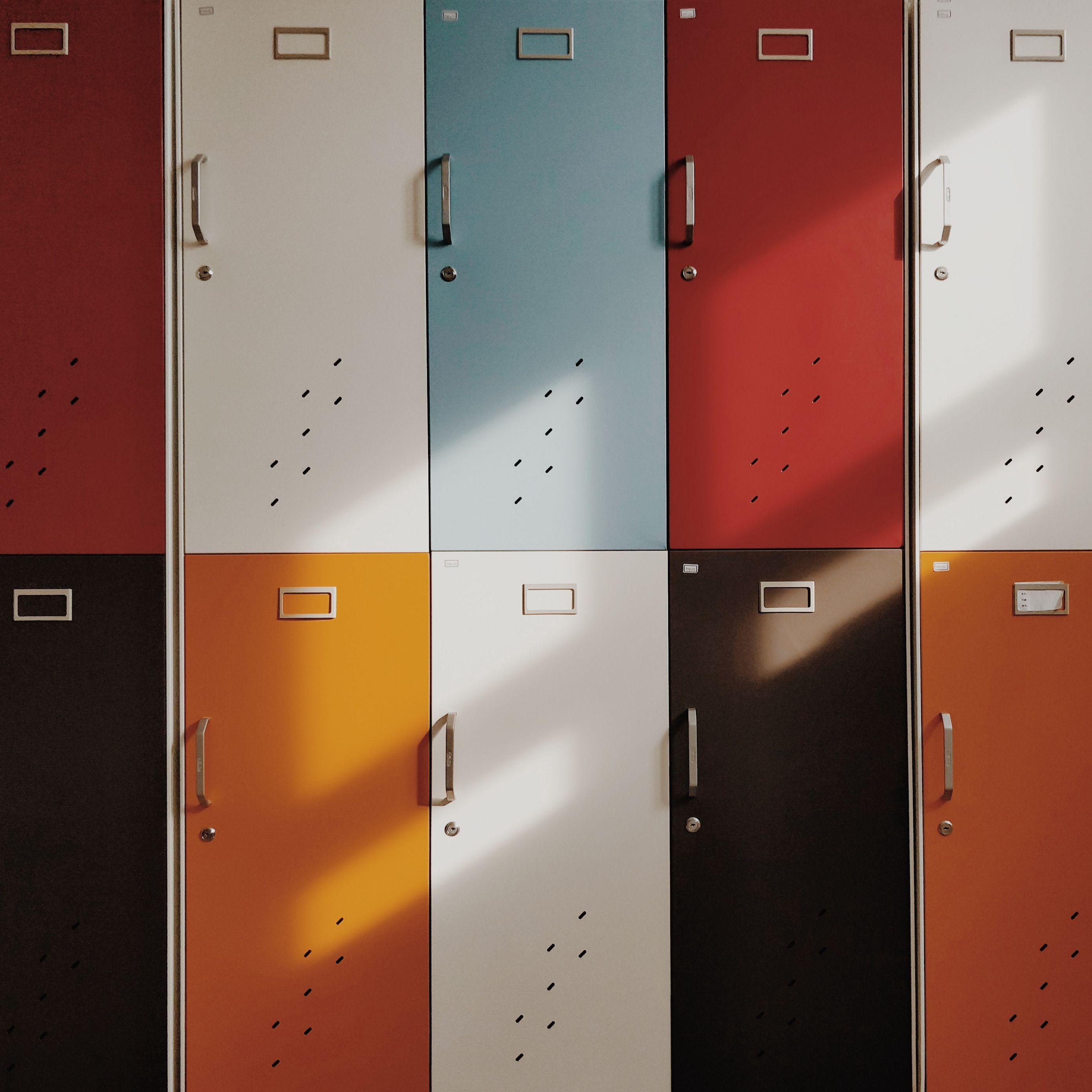 2780x2780 Wallpaper doors, lockers, retro, multicolored
