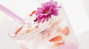 Preview wallpaper drink, cocktail, ice, flower, ornament