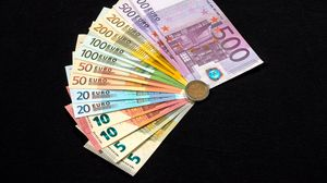 Preview wallpaper euro, bills, currency, money