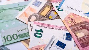 Preview wallpaper euro, bills, money, currency