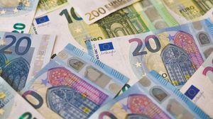 Preview wallpaper euro, money, banknotes, bills, cash
