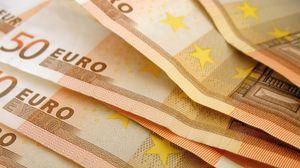 Preview wallpaper euro, money, notes, evil