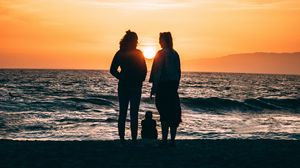 Preview wallpaper family, silhouettes, sea, shore, sunset
