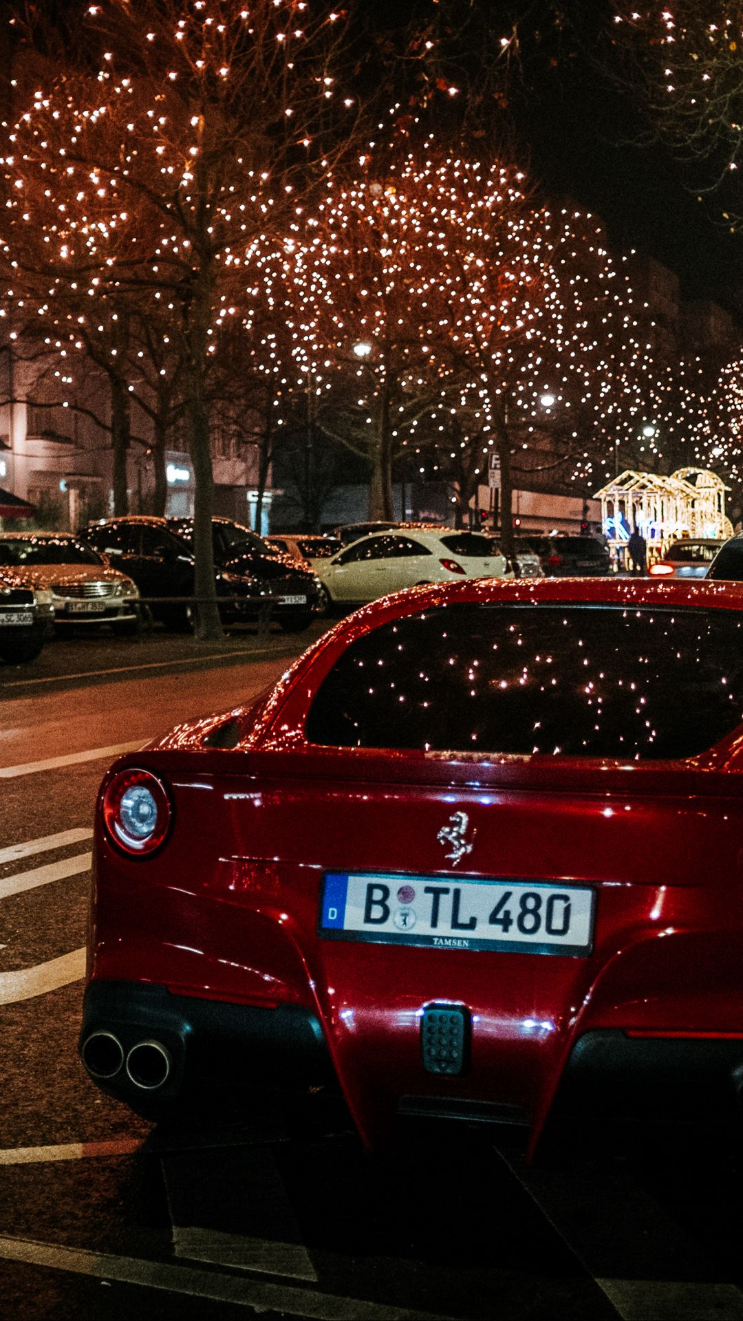 1080x1920 Wallpaper ferrari, rear view, red, night city, scenery