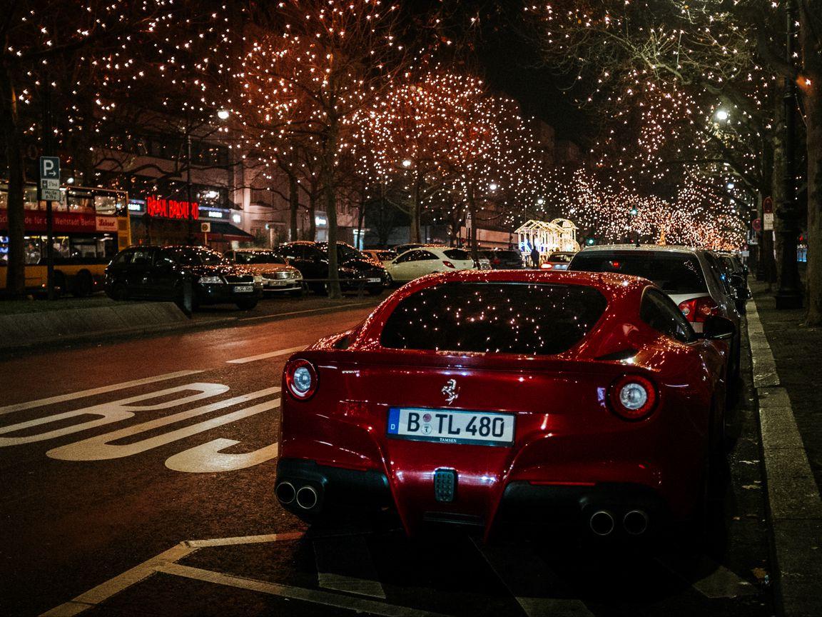1152x864 Wallpaper ferrari, rear view, red, night city, scenery