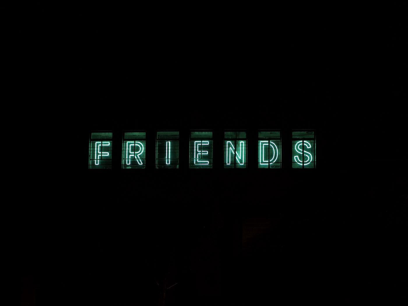 1400x1050 Wallpaper friends, inscription, neon, backlight, dark, letters