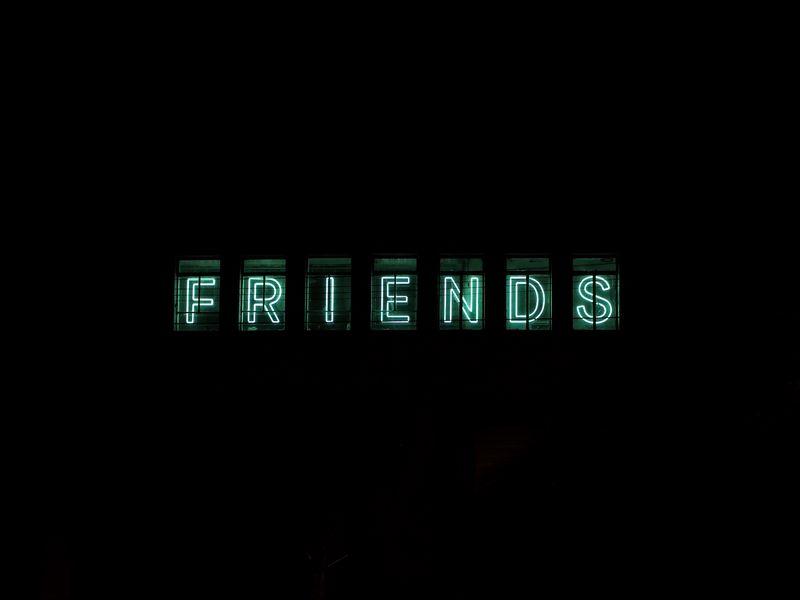 800x600 Wallpaper friends, inscription, neon, backlight, dark, letters