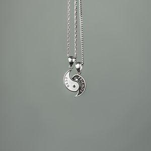 Preview wallpaper friends, pendants, chains, couple