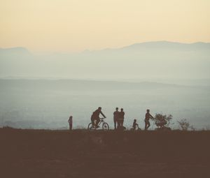 Preview wallpaper friends, silhouettes, mountains, nature, light