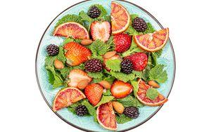 Preview wallpaper fruit, berries, plate, wedges, fresh
