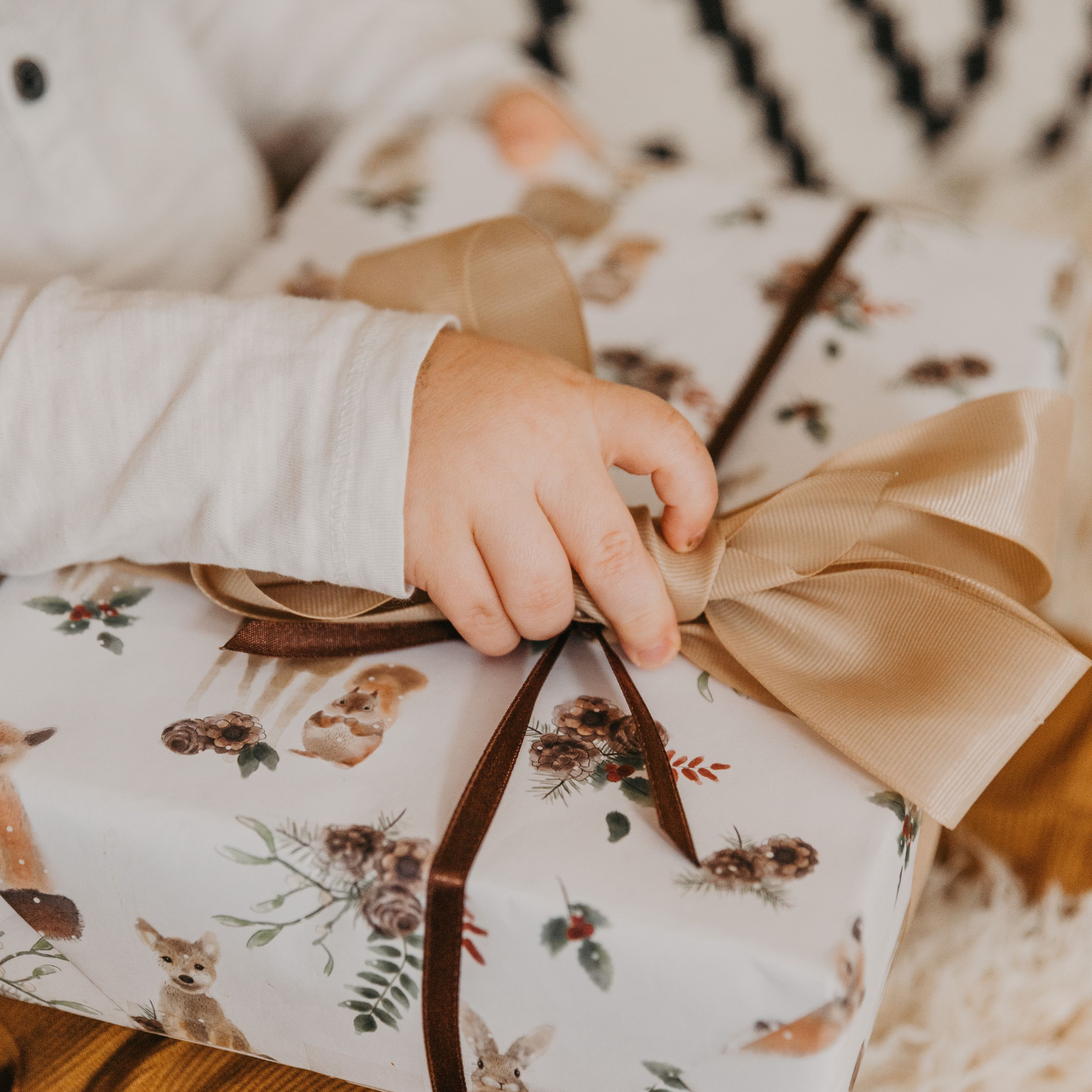 3415x3415 Wallpaper gift, box, bow, hand, child