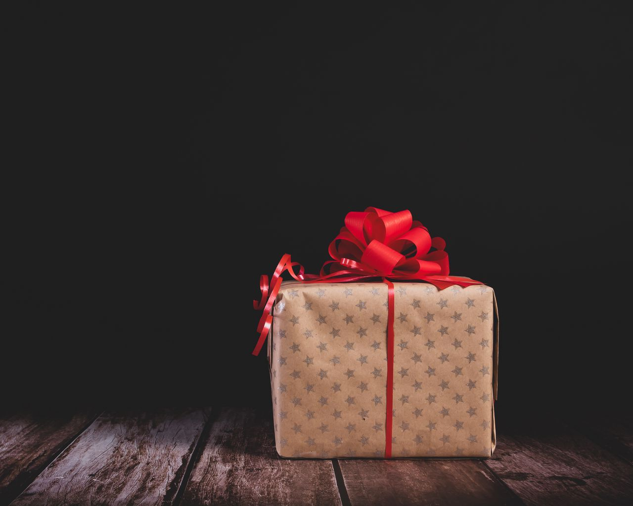 1280x1024 Wallpaper gift, box, bow, holiday