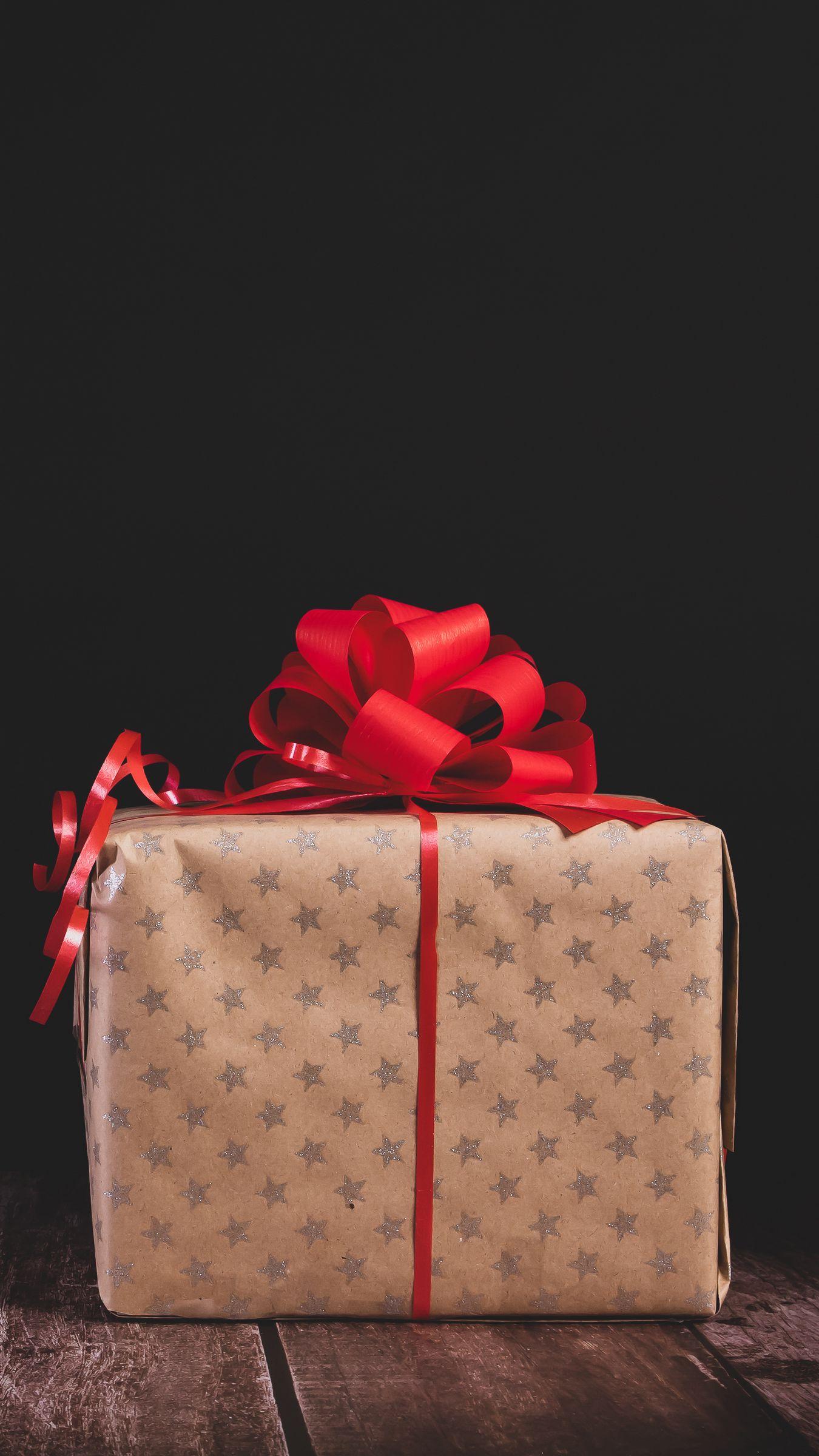 1350x2400 Wallpaper gift, box, bow, holiday