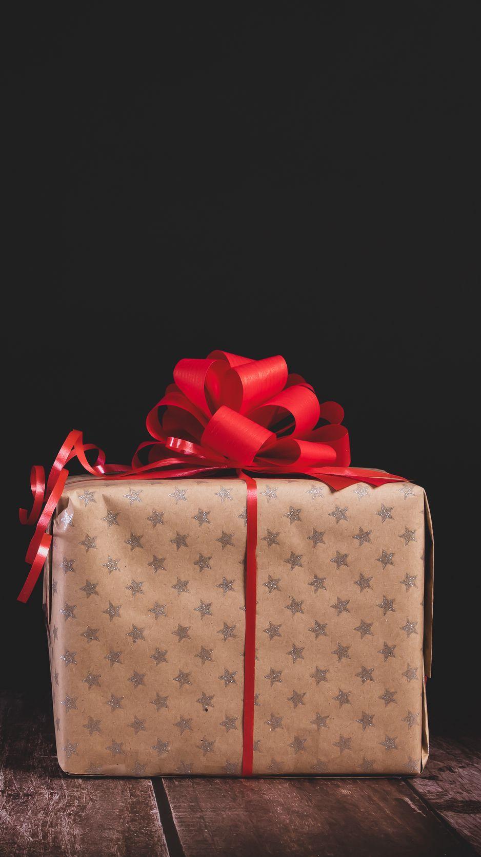 938x1668 Wallpaper gift, box, bow, holiday