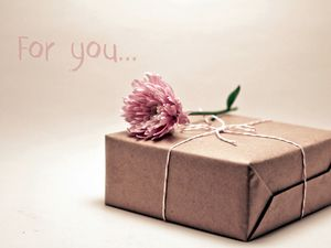 Preview wallpaper gift, box, flower