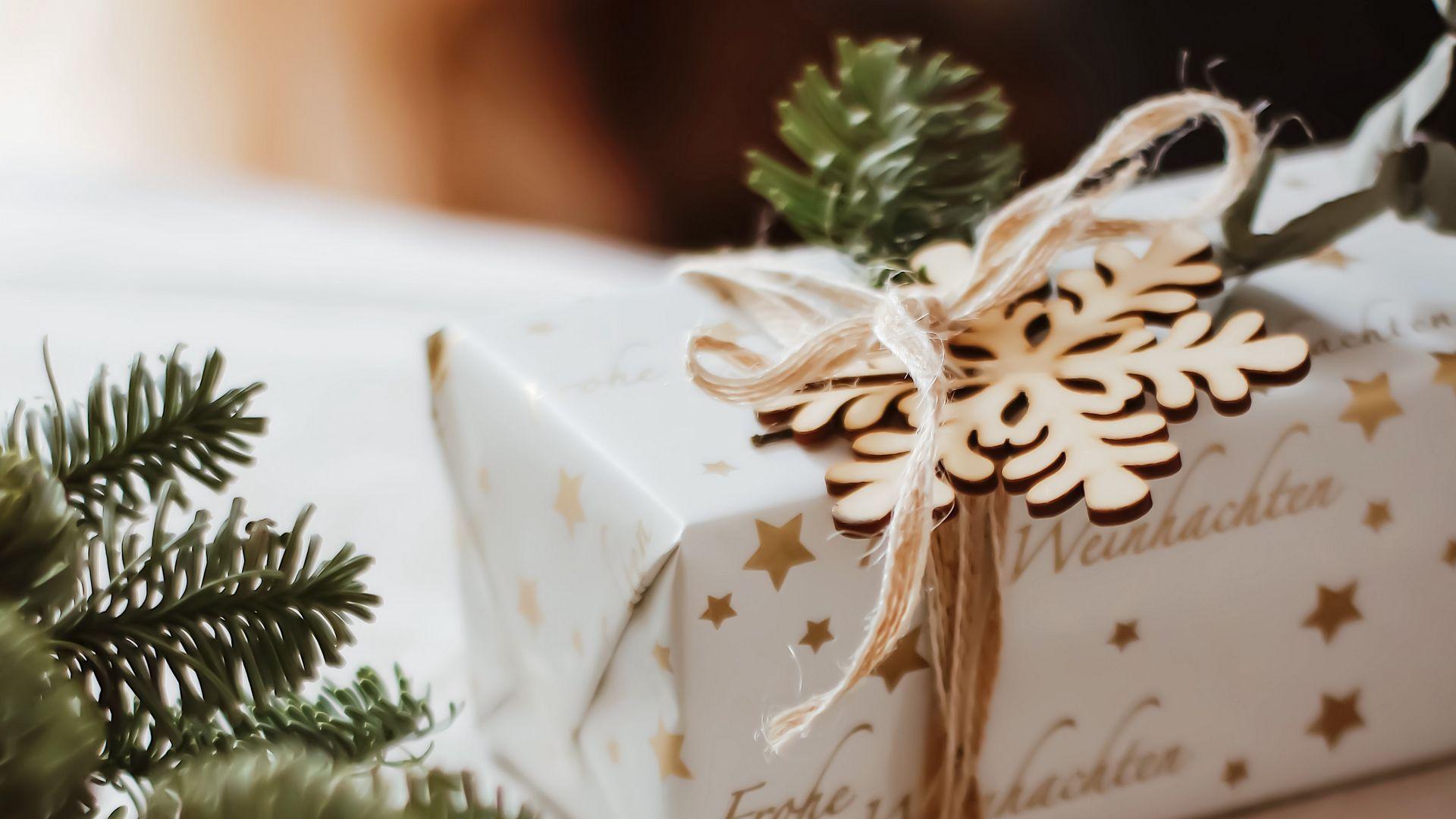 1920x1080 Wallpaper gift, box, holiday, christmas, new year