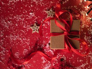 320x240 Wallpaper gift, box, ribbon, stars, snow, holiday
