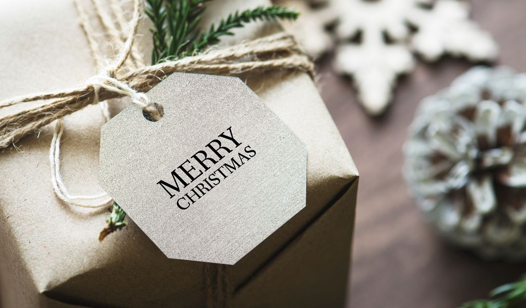 1024x600 Wallpaper gift, christmas, new year, tag, box