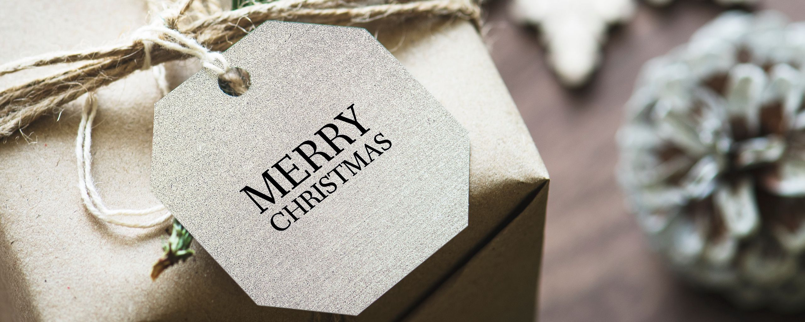 2560x1024 Wallpaper gift, christmas, new year, tag, box