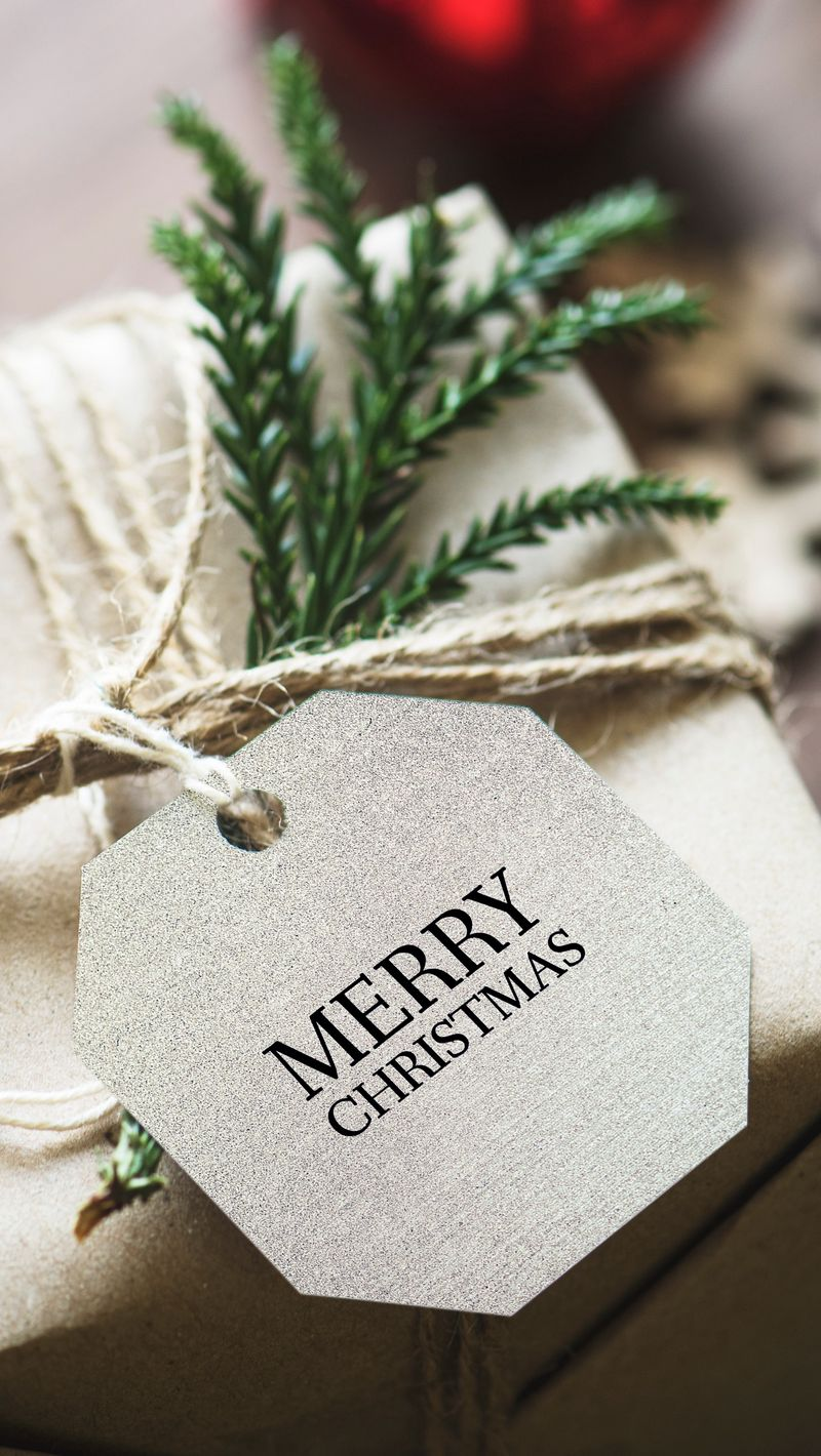 800x1420 Wallpaper gift, christmas, new year, tag, box