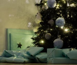 Preview wallpaper gifts, holiday, new year, christmas tree