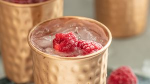 Preview wallpaper glasses, raspberries, ice, cocktail, drink