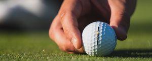 Preview wallpaper golf, ball, hand, fingers, grass, sport
