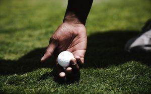 Preview wallpaper golf, hand, ball, lawn