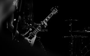 Preview wallpaper guitar, guitarist, bw, musician