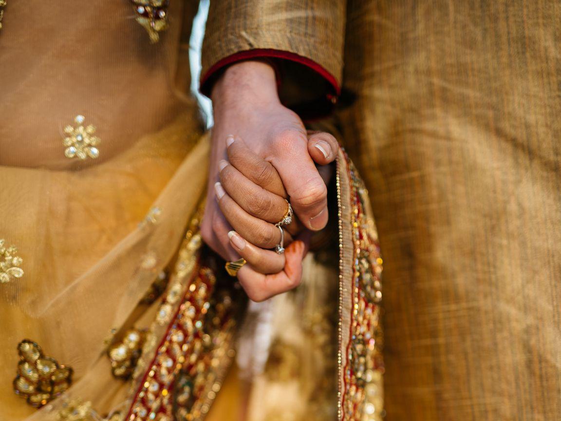 1152x864 Wallpaper hands, couple, love, romance