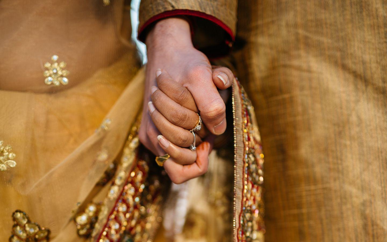 1440x900 Wallpaper hands, couple, love, romance