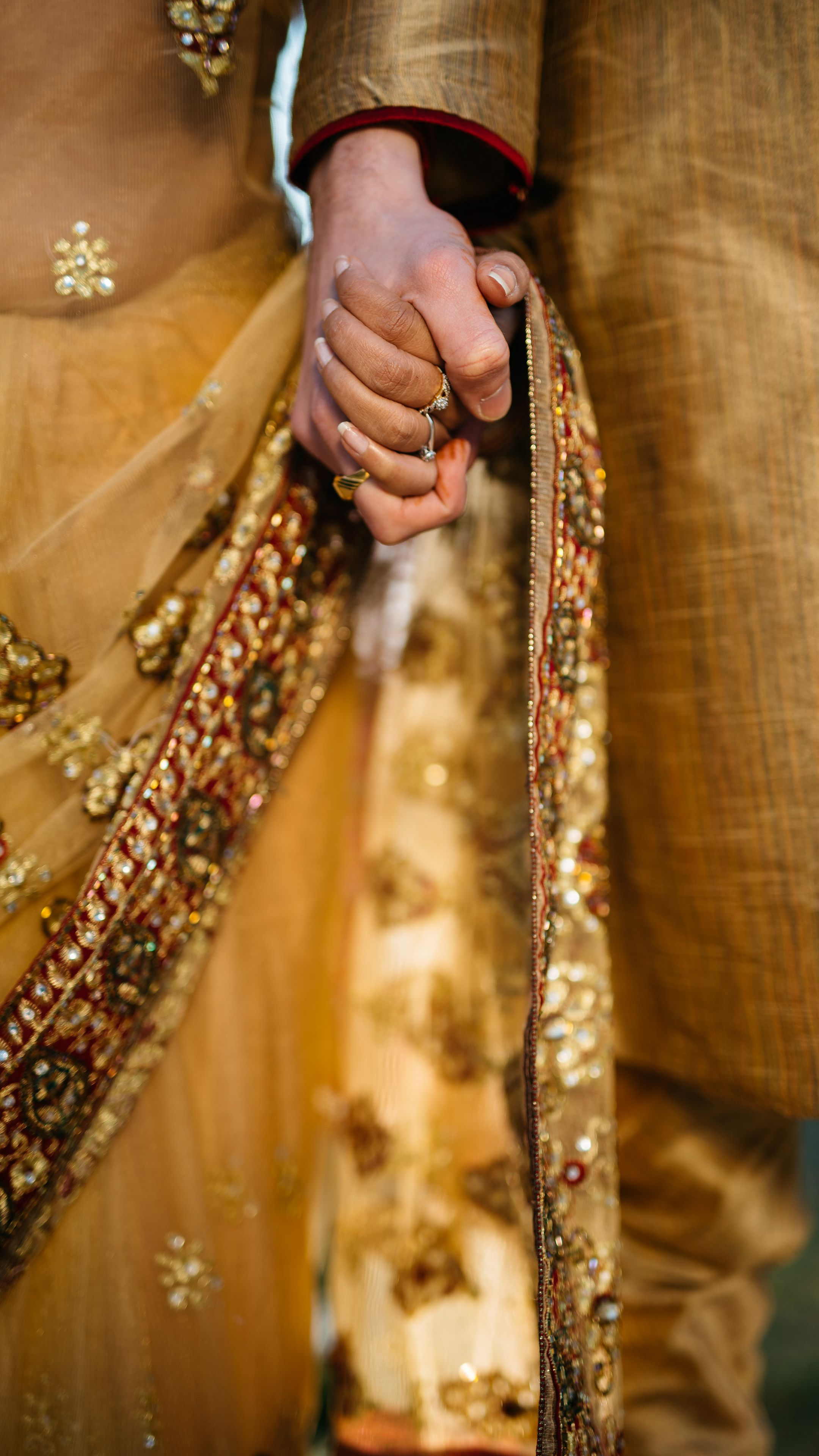 2160x3840 Wallpaper hands, couple, love, romance