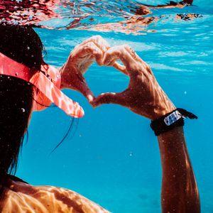 Preview wallpaper hands, heart, love, water, under water