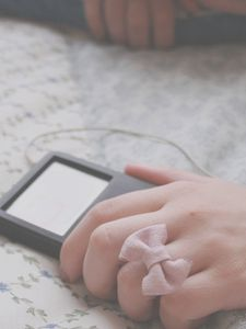 Preview wallpaper hands, player, girl, headphones, music