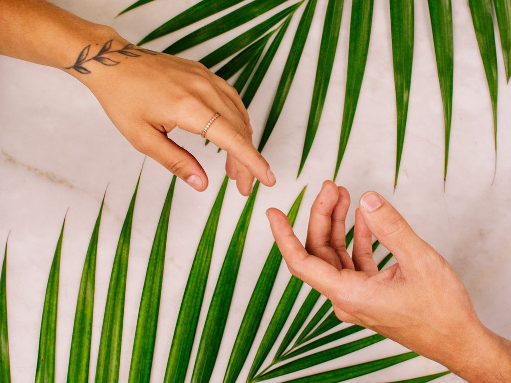 1024x768 Wallpaper hands, touch, love, leaves, palm