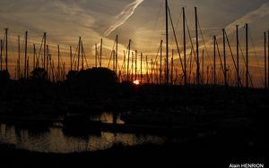 Preview wallpaper harbor, boats, sunset, dark