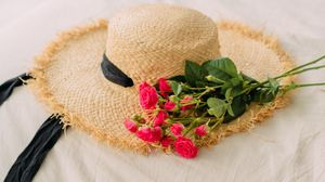 Preview wallpaper hat, roses, flowers, bouquet, aesthetics