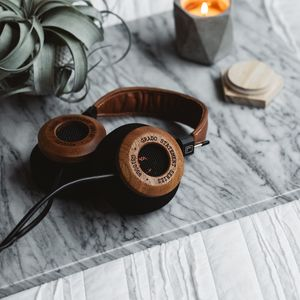 Preview wallpaper headphones, audio, sound, table